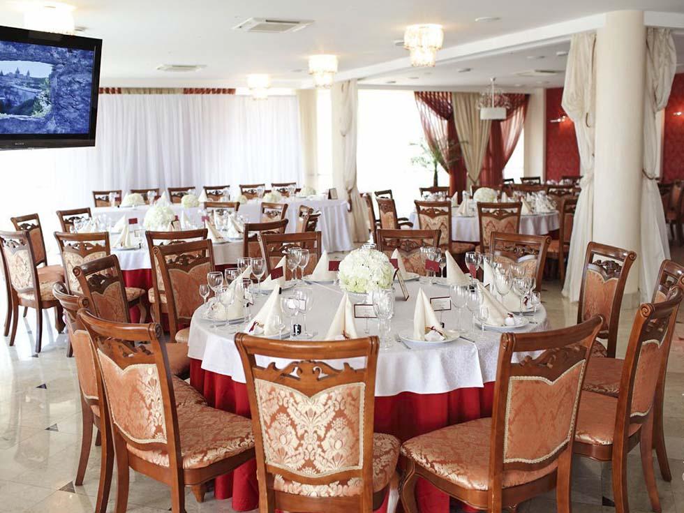 Аренда банкетного зала для свадьбы в центре Москвы